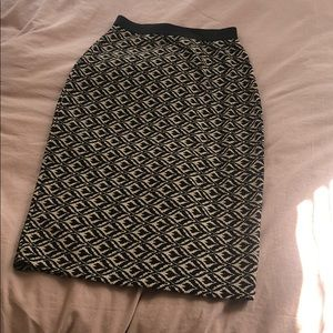 Patterned Body-Con Skirt